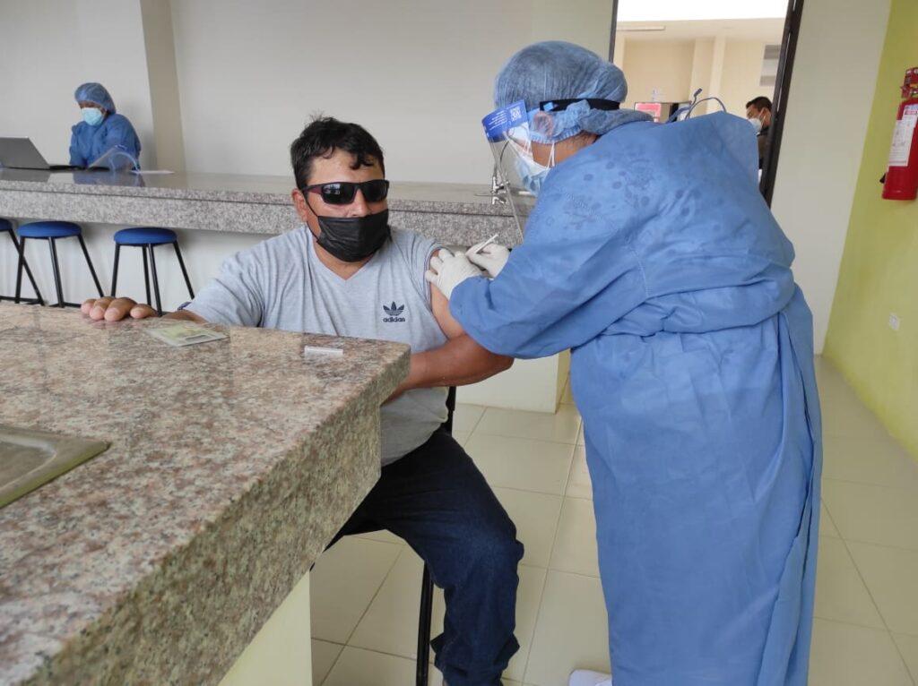 Personal de limpieza del Gad de Nangaritza se vacunó.